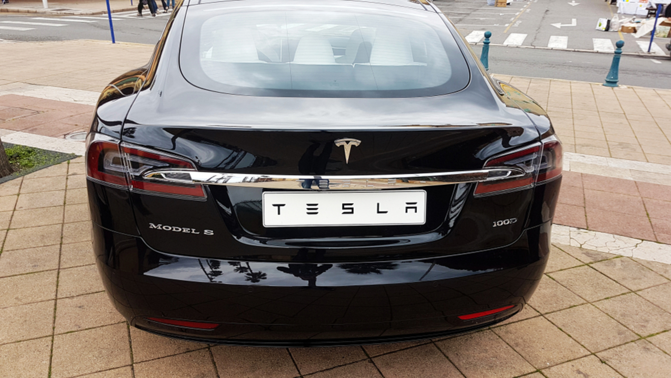 Heres How Much Tesla Made In Its First Year Of Sales In Ireland Fora - Minecraft pe server erstellen am handy